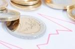 Euromuenzen liegen auf Bilanzkurve
