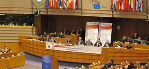 "EU-Parlament sagt ""Ja!"" zu Transatlantik-Handelsabkommen TTIP"