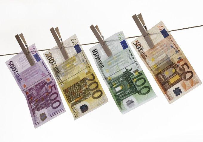 bargeld einzahlen geldwäschegesetz