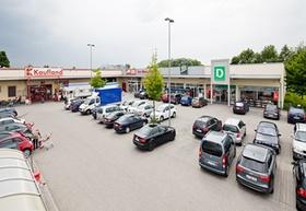 Fachmarktzentrum in Moosburg