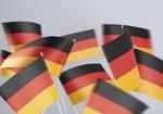 Faehnchen in den deutschen Nationalfarben
