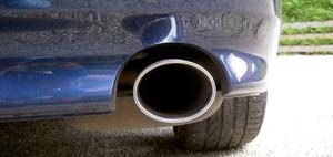 Abgas-Urteile: Besser den Diesel-Händler und die VW-AG verklagen?