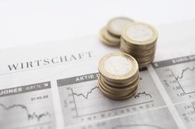 Finanz, Geld, Krise, Münze, Zeitung