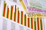 Aktienkurs, Börsenkurs, Chart und Euro Geldscheine
