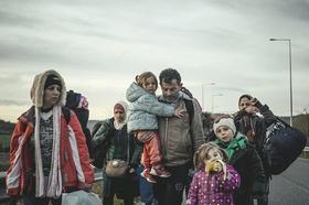 Flüchtlingslager Idomeni an der griechisch-mazedonischen Grenze, ankommende Flüchtlinge aus Syrien