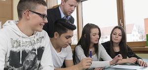 Lehrer fordern weitere Stellen zur Integration von Flüchtlingen