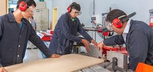 Ausbildungsmarkt: Ausbildungszahlen steigen dank Flüchtlingen