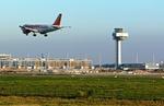 Flughafen Berlin Brandenburg Landeanflug Easy Jet