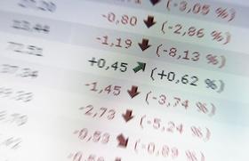 Hoffnung, ein steigender Aktienkurs zwischen fallenden Kursen