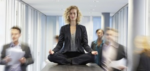 Was beeinflusst das Wohlbefinden bei der Arbeit?