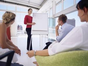 Wirtschaft soll Frauenanteil auf Führungseben selbst präsentieren