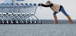 Nächtliche Kollision mit freilaufendem Einkaufswagen: haftung