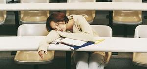 Übermüdet zur Arbeit: Anstieg der Schlafstörungen um 66 %