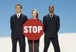 Tipp 8: Schulen Sie sich und Ihre Führungskräfte und lernen Sie typische Warnsignale kennen