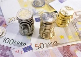 Geld Scheine und Münzen