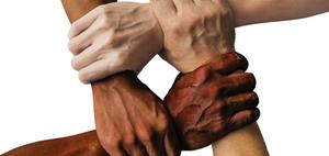 Solidargemeinschaften: Absicherung im Krankheitsfall