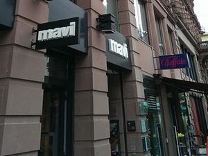 Invivas kauft Geschäftshaus in der Frankfurter Schillerstraße