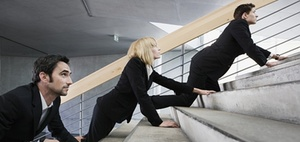 Rückengesundheit: Treppen steigen statt Aufzug fahren