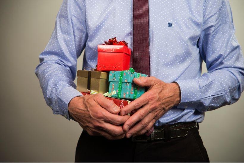 Geschenke An Mitarbeiter Und Geschaftsfreunde Personal Haufe