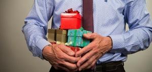 Mitarbeiter Weihnachtsgeschenke Steuerfrei.Geschenke An Mitarbeiter Und Geschäftsfreunde Personal Haufe