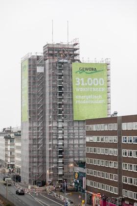 Gewoba-Hochhaus Bremen mit Baugerüst