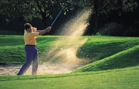 Golf und Sand