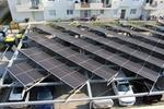 Großer Carport mit Photovoltaikanlage