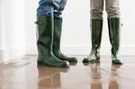 Gummistiefel, 2 Personen, Hochwasser