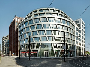 Deka Immobilien erwirbt Büro- und Geschäftshaus in Berlin