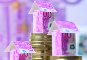 Häuser auf und aus Geld
