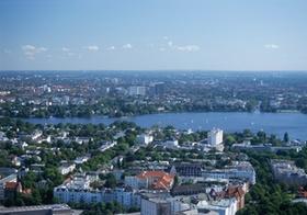 Hamburg, Blick ueber Stadtteile an der Aussenalster, Deutschland