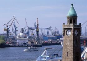 Hamburg, Hafen mit Landungsbrücken, Deutschland