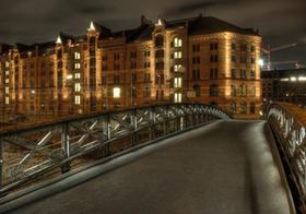 Hamburg, Speicherstadt, Brücke, abends