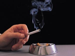 Raucher muss Wohnung räumen 21 S 240/13