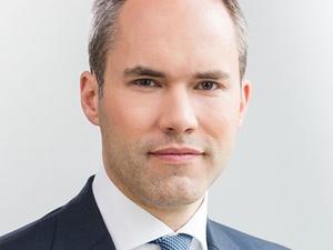 Momeni bestellt Dr. Hanjo Hautz zum Geschäftsführer