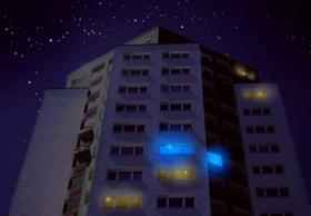 Haus mit blauem Licht