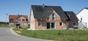 BMF: Errichtung von Betriebsgebäuden durch einen Ehegatten