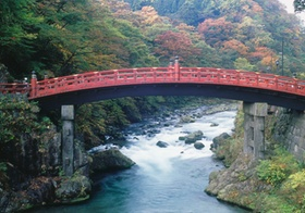 Heilige Bruecke, Nationalpark Nikko, Japan