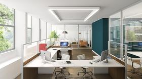 Helles, modernes Büro von innen