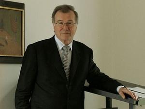 Hermann Sendele erhält AESC-Award