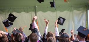 Stellenanzeigen für die Zielgruppe der Hochschulabsolventen