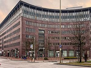 """Transaktion:  B&L verkauft """"Holstenhaus"""" in Hamburg"""