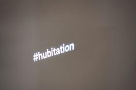 Hubitation Leuchtschrift