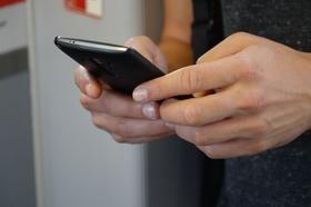 In Smartphone tippen