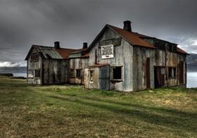Island, verfallene Holzhuetten