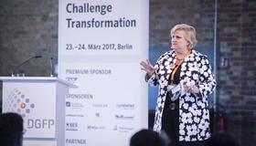 Katharina Heuer auf DGFP-Mitgliederversammlung