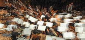 Kosten für Anmietung von Konzertsälen sind hinzuzurechnen.