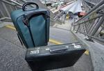 Koffer vor Treppe