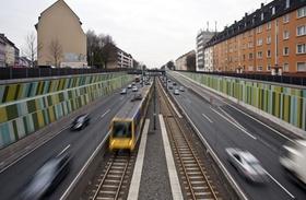 Lärmschutz bei Schnellstraße in Innenstadt