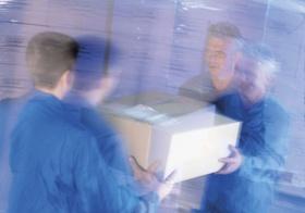Lagerhalle Lager E-Commerce Männer arbeiten